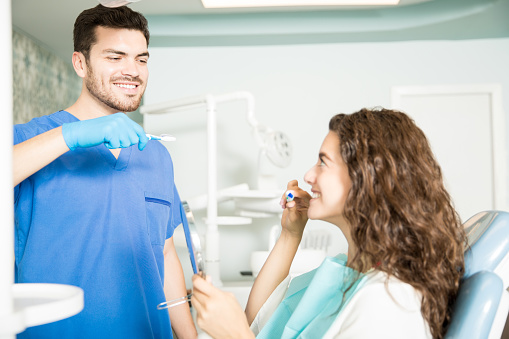 Ways of Setting a Good Dental Example for Those Around You